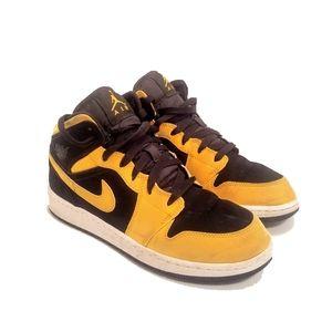 Nike Air Jordan Retro 1 Sneakers